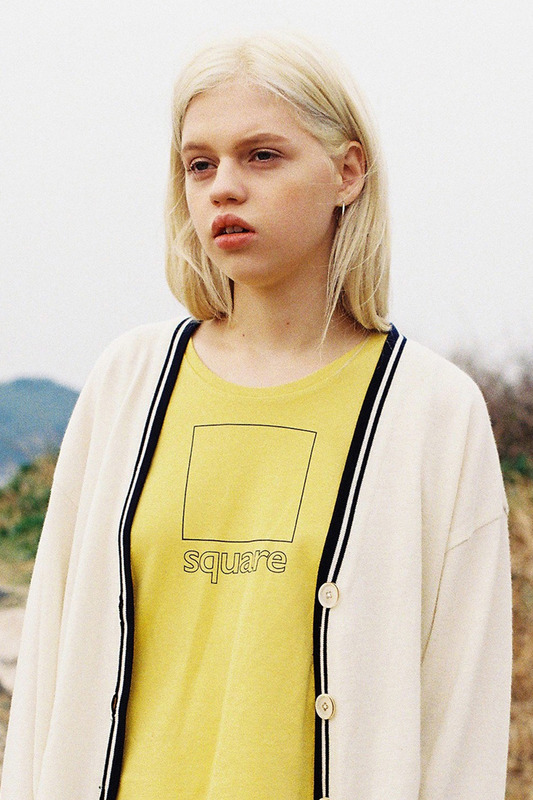 SQUARE SLEEVELESS TEE - YELLOW