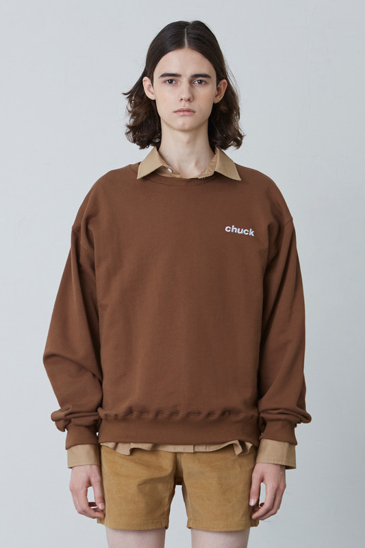 FW17 CHUCK LOGO SWEATSHIRT (BROWN)