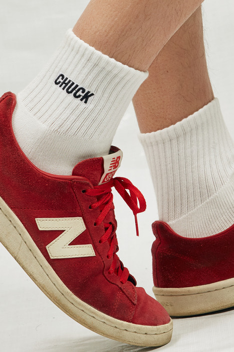 CHUCK LOGO PATCH SOCKS (WHITE-BLACK)