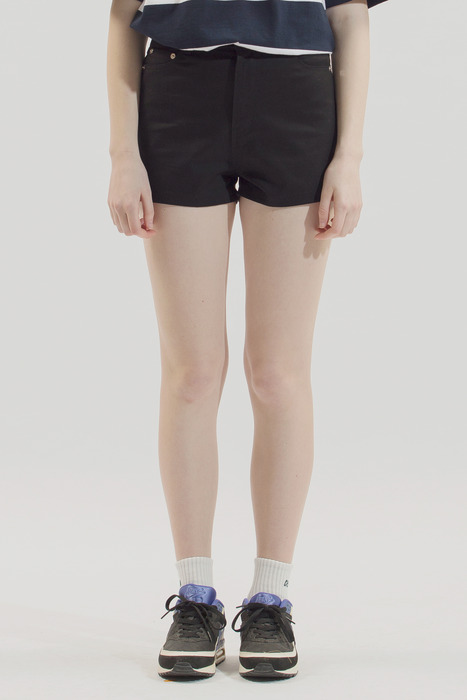 18SS WOMEN SHORT COTTON PANTS (BLACK)