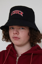 CHUCK ARCH LOGO BUCKETHAT (BLACK-RED)