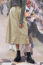 19FW CHUCK RUBBER LABEL LONG SKIRT (BEIGE)